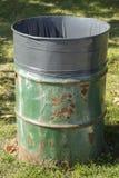 Balde do lixo oxidado Foto de Stock Royalty Free