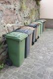 Baldes do lixo em seguido Imagem de Stock