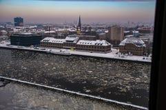 Baldoria a Berlino nell'orario invernale 7 fotografia stock libera da diritti