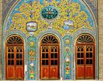 Baldosas cerámicas viejas de Golestan en Teherán, Irán fotografía de archivo