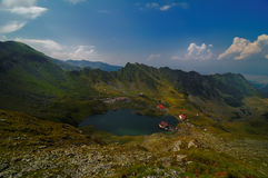 Balea湖Caban在罗马尼亚 免版税库存图片