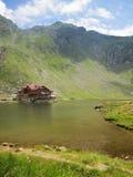 Balea sjö i Rumänien Arkivfoto