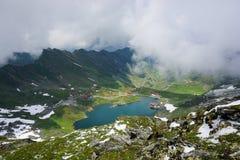 Balea väg för sjö- och Transfagarasan berg fotografering för bildbyråer
