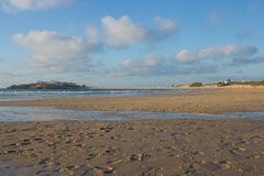 从Baleal海滩的Baleal地峡在Peniche,葡萄牙 图库摄影