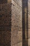 Balen van samengeperste cork die in kolommen wordt gestapeld stock afbeeldingen