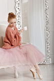 Balerina pije kawę Fotografia Royalty Free