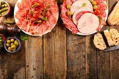 Baleron, salami, kiełbasa z baguette zdjęcie royalty free
