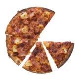 Baleronu i ananasa pizza nad białym tłem Zdjęcie Royalty Free