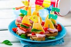 Baleronu i sera kanapki w postaci statków Obraz Royalty Free