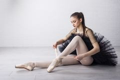 Baletniczy tancerz w pięknej sukni obraz royalty free