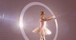 Baletniczy tancerz z okrąg łuną obraz royalty free
