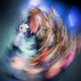 Balettdansörerna utför på teatern fotografering för bildbyråer