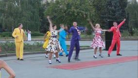 Balettgrupp av akademisk sång- och danshelhetnolla lager videofilmer