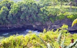 bali Индонесия Каменистые скалы морем стоковое фото rf