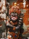 Bali: alte Statue des traditionellen schützenden Gottes Lizenzfreie Stockbilder