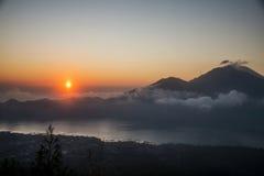 Bali Batur wulkanu widoku Jeziorny zmierzch Gunung Agung 3 Obrazy Stock