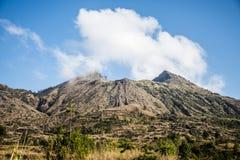 Bali che fa un'escursione il batur Gunung del vulcano attivo fotografia stock