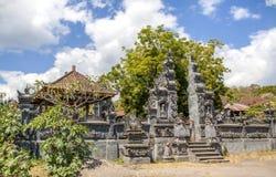 Bali-Dorf-Tempel stockfotografie