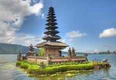 bali flottörhus tempel Royaltyfri Foto