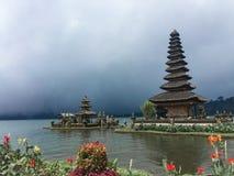 Bali i ny värld royaltyfri fotografi