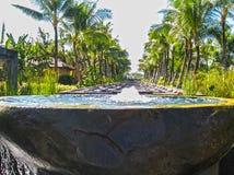 Bali, Indonésia - 10 de abril de 2012: Ideia da entrada principal em St Regis Resort Imagem de Stock Royalty Free