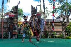 BALI, INDONÉSIA - 5 DE MAIO DE 2017: Dança de Barong em Bali, Indonésia Barong é uma dança religiosa em Bali baseou no grande imagem de stock royalty free
