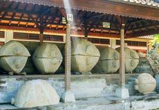 BALI, INDONÉSIE - 19 01 2017 : Sarcophages antiques Image stock