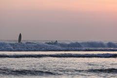 Bali; Indonesië; Bali Indonesië; strand, beachfront; oceaan; De zonsondergang van Indische Oceaan Stock Afbeeldingen