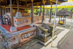 BALI, INDONESIA - 5 DE MARZO DE 2017: Pasillo del templo de Pura Ulun Danu Bratan en la isla de Bali, Indonesia Fotos de archivo