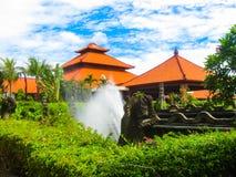 Bali Indonesien - Januari 02, 2009: Den huvudsakliga ingången i den Ayodya semesterorten Royaltyfria Foton