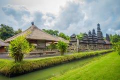 BALI, INDONESIEN - 8. MÄRZ 2017: Königlicher Tempel von Mengwi-Reich gelegen in Mengwi, Badungs-Regentschaft, die berühmte Plätze lizenzfreie stockfotos