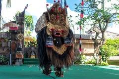 BALI INDONESIEN - MAJ 5, 2017: Barong dans på Bali, Indonesien Barong är en religiös dans i Bali baserade på det stort Fotografering för Bildbyråer