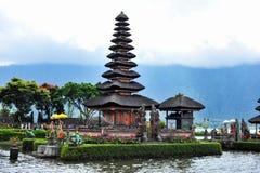 BALI INDONESIEN 29 Maj 2015: Ulun Danu Beratan tempel Arkivfoton