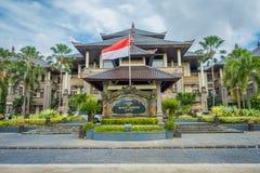 BALI INDONEZJA, MARZEC, - 08, 2017: Centre budynek jest ministerstwa powikłanym budynkiem lokalizować w Densapar, Bali Obrazy Royalty Free