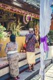 BALI INDONEZJA, PAŹDZIERNIK, - 23, 2017: Ślubna ceremonia, balijczyka ślub Fotografia Stock