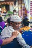 BALI INDONEZJA, PAŹDZIERNIK, - 23, 2017: Balijczyka mężczyzna na Ślubnej ceremonii, balijczyka ślub Obrazy Royalty Free