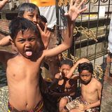 Bali-Kinderspielen Stockfotos