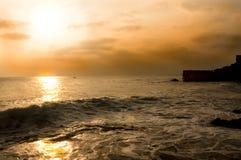 инец рыб шлюпки bali landscapes заход солнца океана стоковые изображения rf