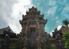 Bali-Tempeltor Eingang des hinduistischen Tempels lizenzfreie stockfotos
