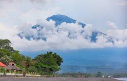 bali Volcano Agung in Amed Royalty-vrije Stock Afbeeldingen