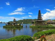 Bali-Wassertempel auf See, Indonesien Stockfoto