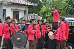 Balijczyków muzycy w Ulun Danu Beratan świątyni Bali Zdjęcia Stock