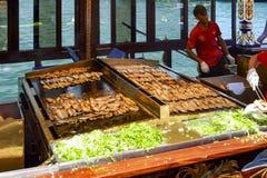 """Balik die ekmek """"fish sandwich† betekenen een populaire Turkse straat Stock Foto"""