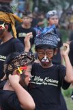 Balines pojkar på den Nyepi festivalen Royaltyfri Fotografi