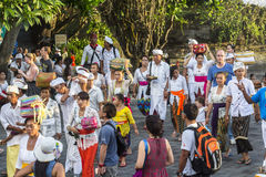 Balinese people around Tanah Lot temple Royalty Free Stock Images