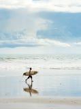 Balinese surfer Royalty-vrije Stock Foto's