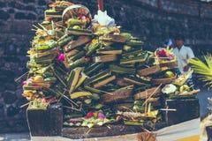 Balineseangebote zu den Göttern Östlich Bali-Insel Candidasa indonesien stockfoto