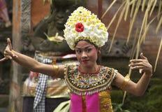 Balinesedansare på en Barong ceremoni Fotografering för Bildbyråer