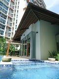 Balineselandhausgefühl in der neuen Eigentumswohnungseinheit Stockfotografie