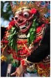 Balineseskådespelare under en dansshow Arkivbilder